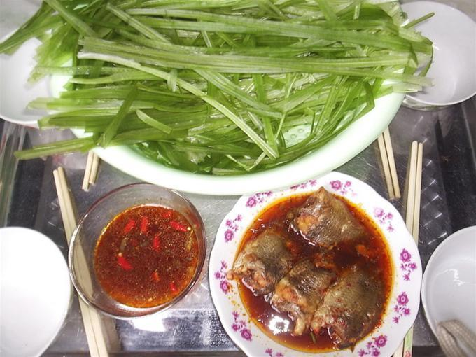 680-510-ve-mien-tay-an-he-nuoc-cham-ca-ro-kho-f972