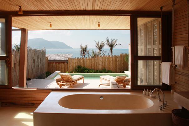 http://mekongdeltaexplorer.vn/wp-content/uploads/Ocean_View_Bathroom-300x200.jpg
