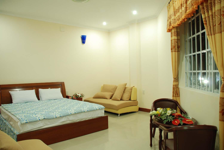http://mekongdeltaexplorer.vn/wp-content/uploads/VIP1-300x200.jpg