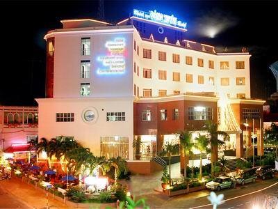 http://mekongdeltaexplorer.vn/wp-content/uploads/dong-xuyen-hotel-300x225.jpg