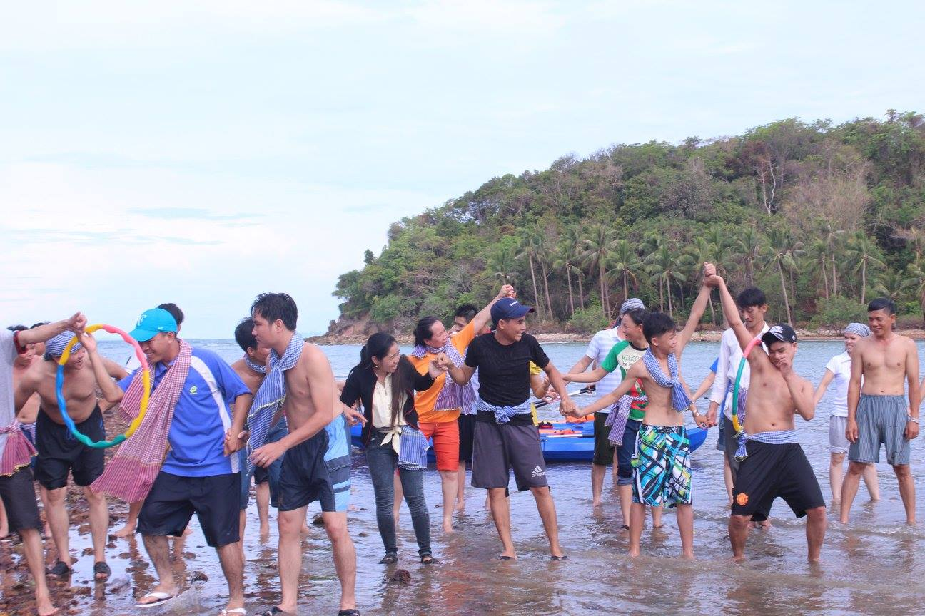 team-building-ha-tien-ba-hon-dam-j